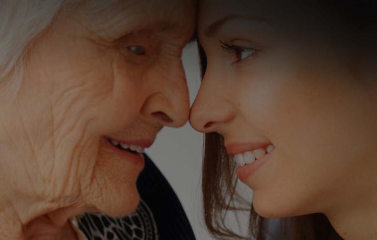 Grandparent uses Konnekt Videophone for the elderly