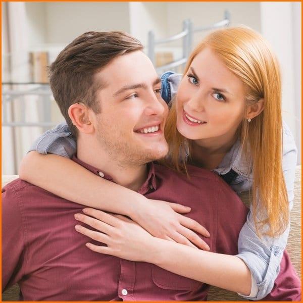 ارتباط اجتماعی بین یک زوج کم شنوا